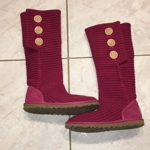 UGG - Classic Cardy in Ruby